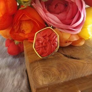 Huge carved stove & hammered gold ring